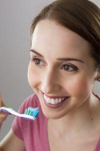 Potraviny, které ovlivňují zánět dásní