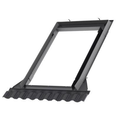 Strešné okno z pevného materiálu